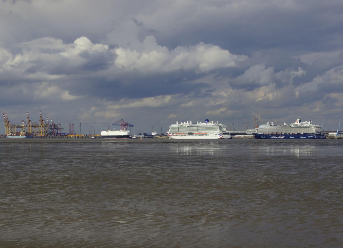 An der Nordseeküste, am plattdeutschen Strand